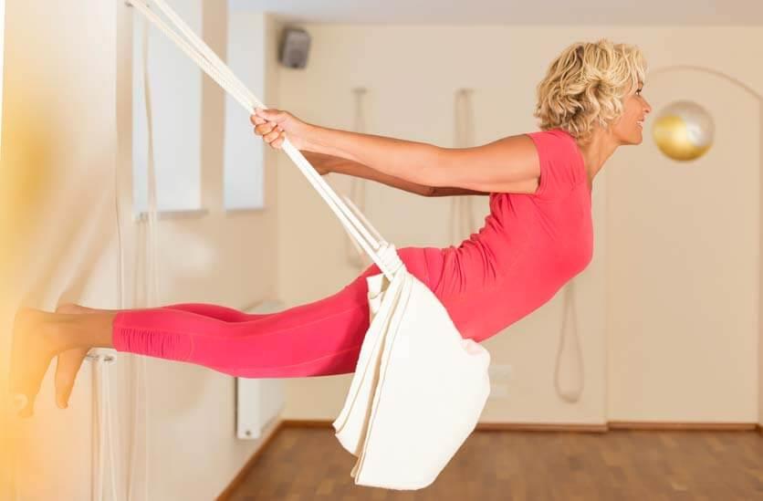 Sabina Sellers bei Yoga in den Seilen